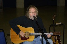 Vintage-Guitar-Show-New-Braunfels-TX-With-Ray-Wylie-Hubbard-1